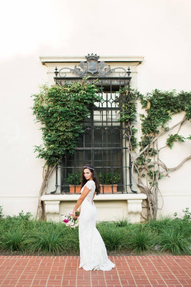 bride posing at athenaeum