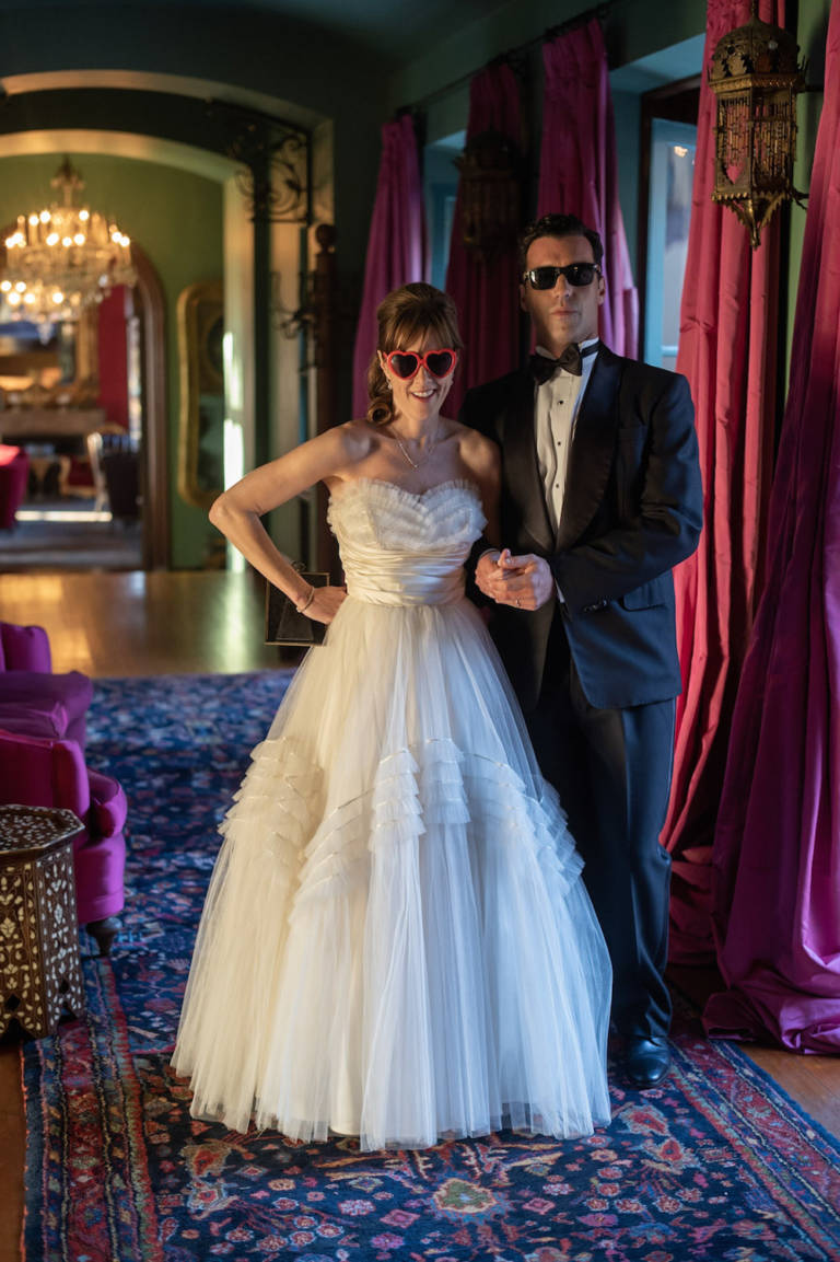 wedding couple in sunglasses