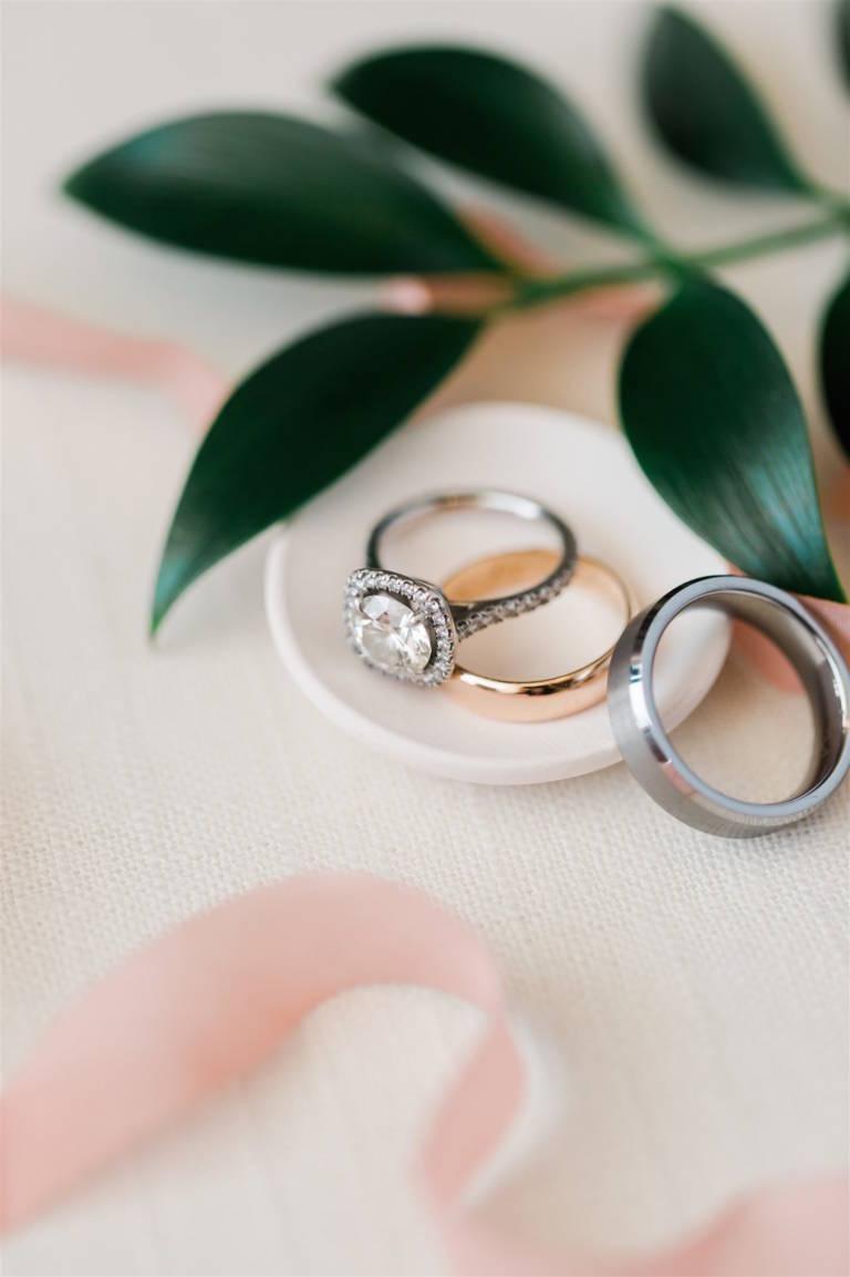 wedding rings cushion cut
