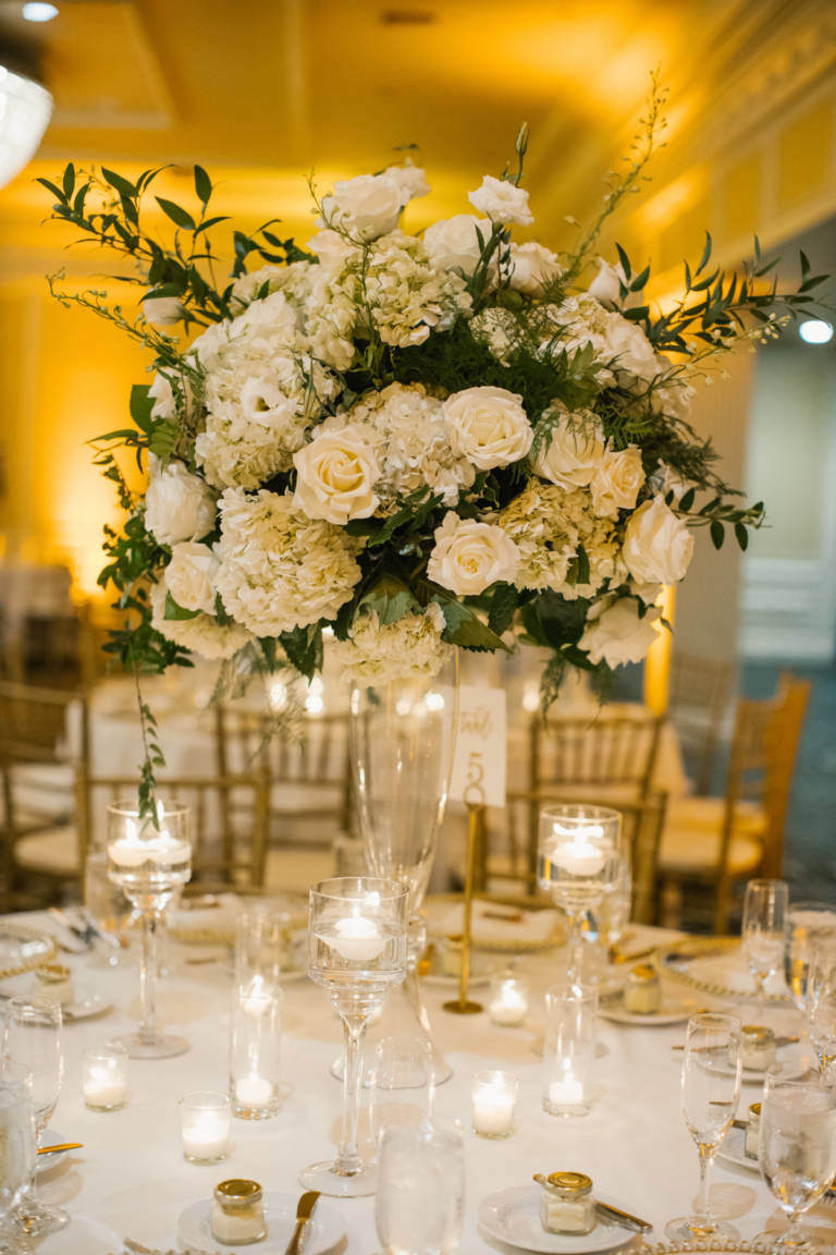 Classic Floral Wedding Table
